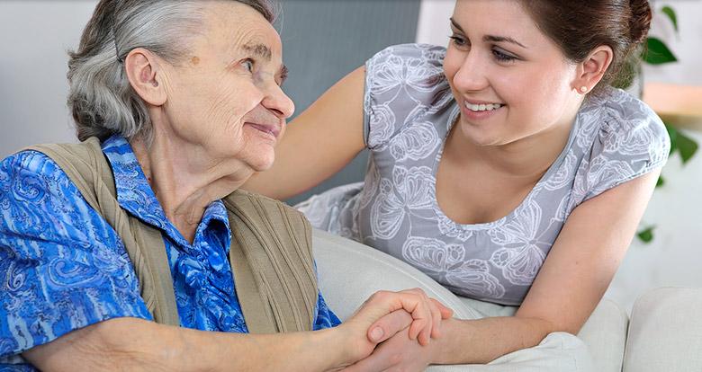 Chương trình người chăm sóc sức khỏe (Live-in Caregiver) sống tại nhà gia chủ tạiCanada.